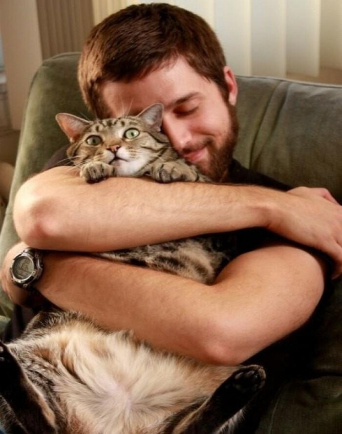 Безмерная любовью к кошкам — это болезнь!